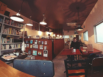 ノースレイク・カフェ・アンド・ブックス店内写真